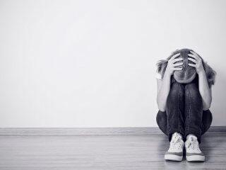 """""""Mia o di nessun altro"""": quando la violenza si nasconde nella coppia adolescente"""