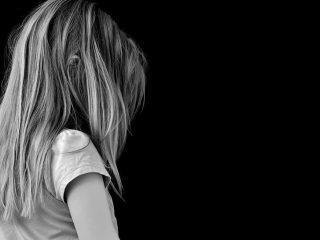 Pedofilia femminile: una verità scomoda