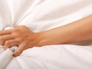 Perchè spesso le donne fingono l'orgasmo?